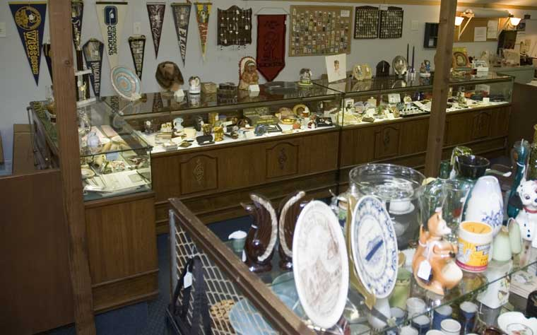 Egg Palace Antiques and Collectables